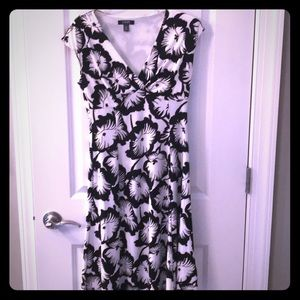 Chaps black and white flower dress